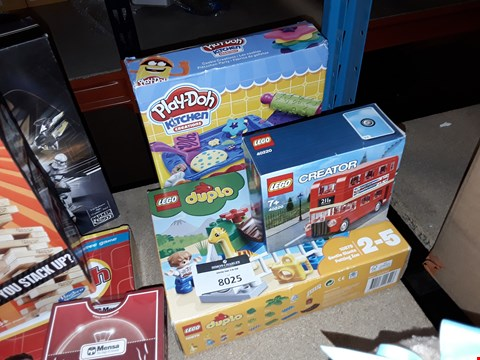 Lot 1071 LEGO CREATOR BUS , DUPLO JURASSIC WORLD AND PLAY-DOH KITCHEN CREATIONS
