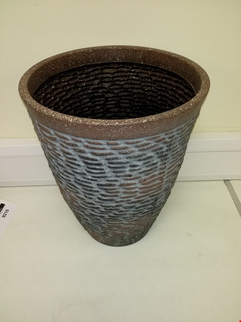 Lot 9198 BOXED PREMIUM STONE EFFECT PLANTER APPROXIMATELY 47CM TALL 37CM DIAMETER RRP £26.00
