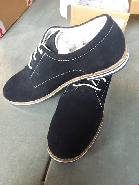 Lot 7072 FRIBOO SUEDE SHOES - BLUE SIZE 7