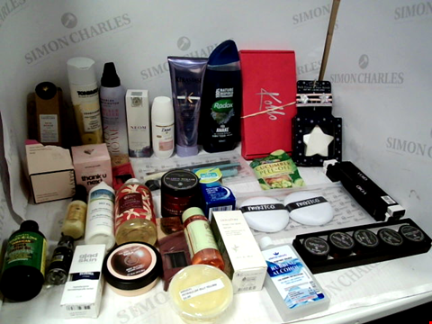 Lot 11082 LOT OF ASSORTED HEALTH & BEAUTY PRODUCTS TO INCLUDE: ASSORTED BATHROOM & COSMETICS PRODUCTS
