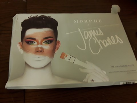 Lot 7104 BOXED MORPHE JAMES CHARLES ARTISTRY PALETTE