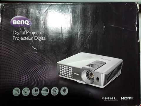 Lot 8104 BENQ DIGITAL PROJECTOR