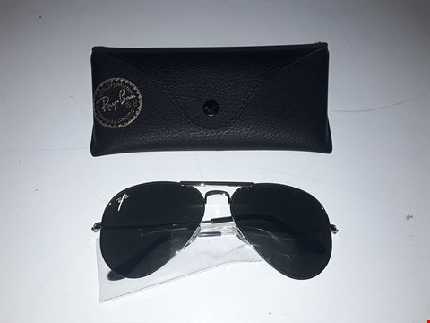 Lot 3049 BRAND NEW RAYBAN AVIATOR SUNGLASSES  RRP £190.00