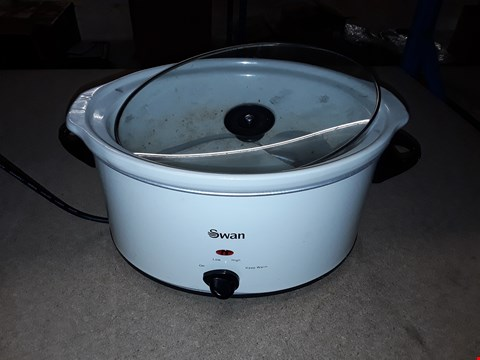Lot 2356 BOXED SWAN 5.5L SLOW COOKER - CREAM RRP £40.00