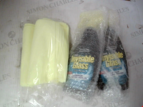 Lot 10016 INVISIBLE GLASS SET OF 2 X 650ML SPRAY BOTTLES WITH 2 MICROFIBRE CLOTHS