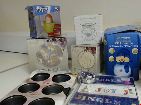 Lot 5326 LOT OF ASSORTED ITEMS TO INCLUDE STEAMING SUZY, LADIES WATCH AND OIL BURNER