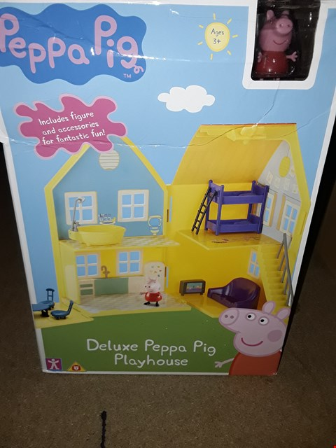 Lot 662 GRADE 1 PEPPA PIG DELUXE PLAY HOUSE