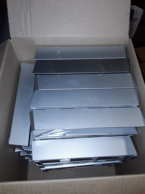 Lot 199 LOT OF APPROXIMATELY 33 ASSORTED NINTENDO WII STANDS