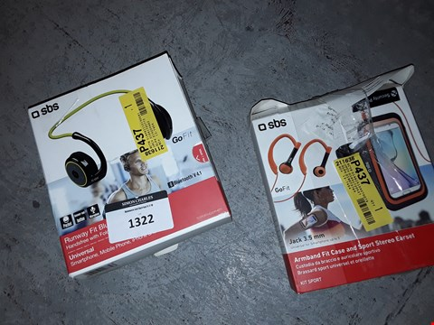 Lot 1322 RUNWAY FIT BLUETOOTH UNIVERSAL HEADPHONES AND ARMBAND FIT CASE AND SPORT STEREO EARSET