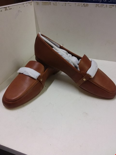 Lot 9065 BOXED ALDO AFAUCIA WOMEN'S LOAFERS - TAN SIZE 5