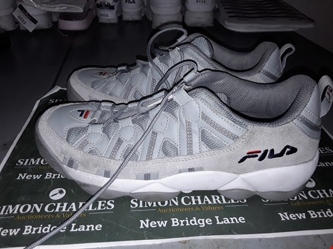 Lot 9039 FILA DESIGNER TRAINERS IN GREY UK SIZE 10