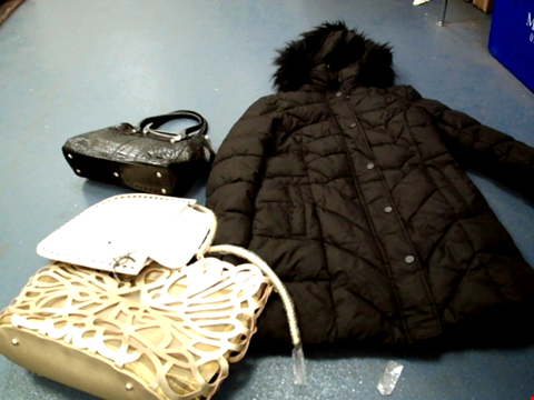 Lot 160 BOX OF APPROXIMATELY 25 ASSORTED CLOTHING ITEMS TO INCLUDE A BLACK BUBBLE JACKET WITH FAUX FUR HOODED TRIM AND A FAUX LEATHER BLACK LADIES BAG