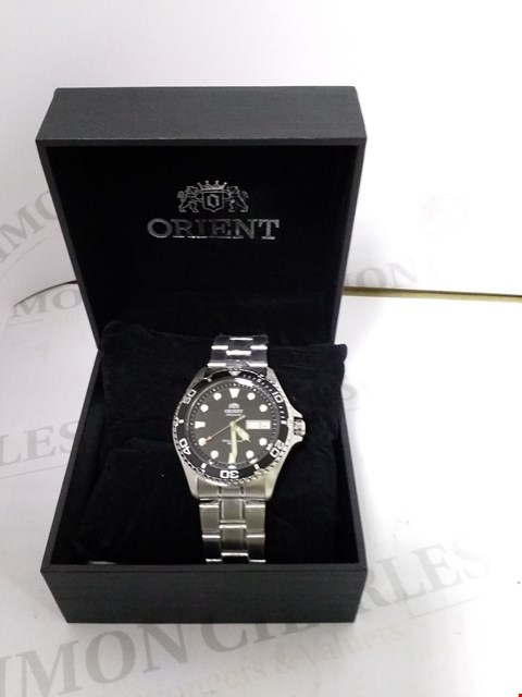 Lot 4044 ORIENT BLACK DIAL STAINLESS STEEL STRAP WRIST WATCH