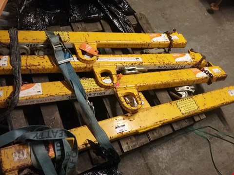 Lot 1087 PALLET OF APPROXIMATELY 4 SINGLE SLEEPING BEAMS