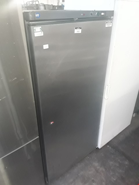Lot 7 UPRIGHT FRIDGE