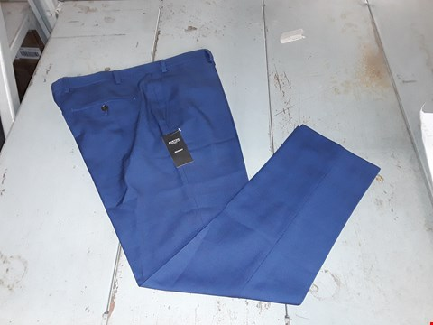 Lot 9097 BAGGED DESIGNER BURTON MENSWEAR LONDON SKINNY FIT SUIT TROUSERS - NAVY WAIST 38 REGULAR