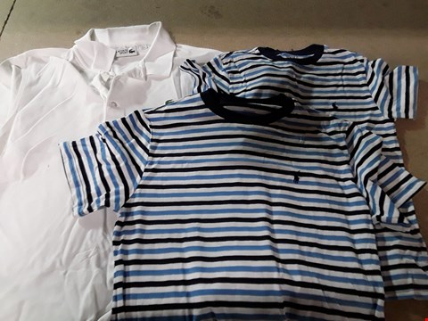 Lot 843 LOT OF ASSORTED DESIGNER CLOTHING ITEMS TO INCLUDE LACOSTE SPORT POLO SHIRT, 2 BOYS SHORT SLEEVE STRIPED T-SHIRTS RRP £156
