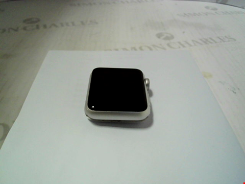 Lot 324 APPLE WATCH