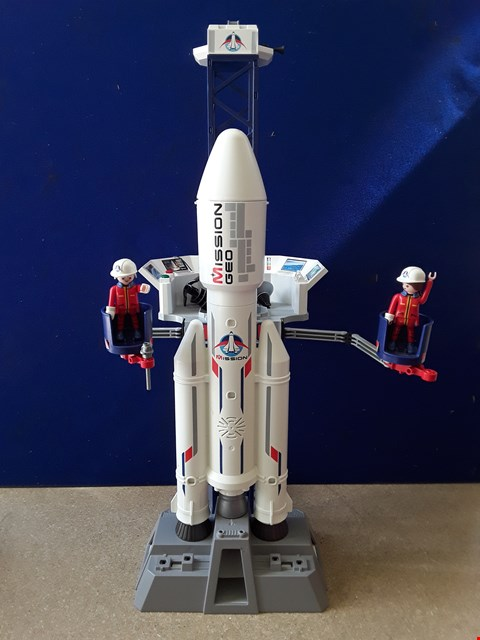 Lot 5081 PLAYMOBIL ROCKET AND LAUNCH SITE