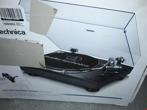 Lot 7786 AT-LP120-USB TURNTABLE
