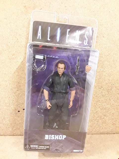 Lot 301 BRAND NEW BOXED ALIEN BISHOP FIGURE
