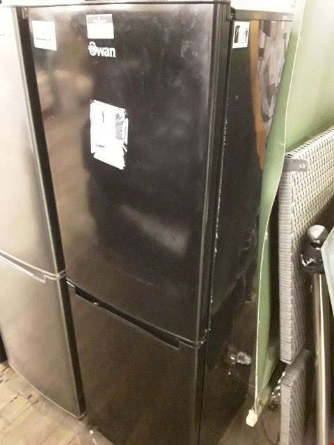 Lot 12047 SWAN SR8180B 50/50 FRIDGE FREEZER IN BLACK
