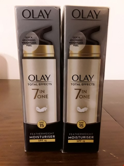 Lot 8002 LOT OF 2 OLAY TOTAL EFFECTS 7IN1 SPF15 FEATHERWEIGHT MOISTURISER