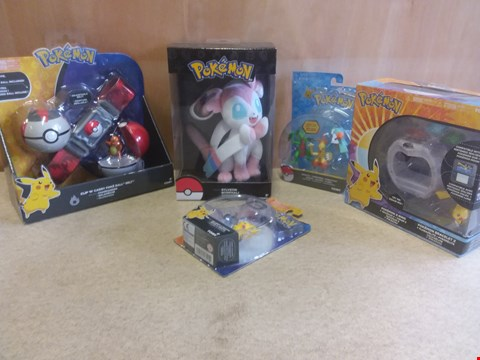 Lot 654 5 BRAND NEW BOXED ITEMS TO INCLUDE A POKEMON SYLVEON, A POKEMON Z-RING AND A POKEMON CLIP N CARRY BALL BELT