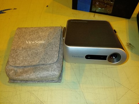 Lot 8320 VIEWSONIC M1+ WVGA ULTRA-PORTABLE 300 LED LUMENS PROJECTOR