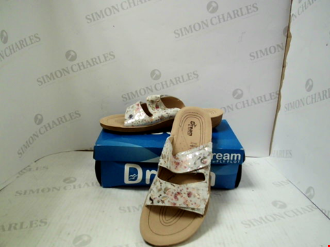 Lot 3018 PAIR OF DESIGNER DREAM BY FLY FLOT GULF31003 - UK SIZE 7