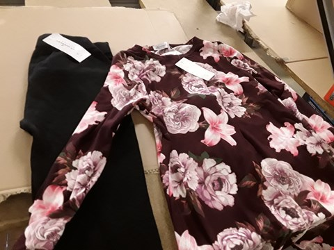 Lot 7634 LOT OF APPROXIMATELY 11 ASSORTED CLOTHING ITEMS TO INCLUDE FLEECE LEGGINGS AND VELVET TOUCH FLORAL TUNIC
