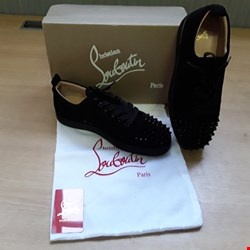 Lot 6004 BOXED CHRISTIAN LOUBOUTIN LOUIS N LUCK FLAU VELOURS CMA3 VERSION SIZE 43