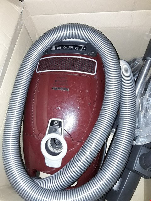 Lot 301 MIELE COMPLETE C3 CAT & DOG POWERLINE VACUUM CLEANER