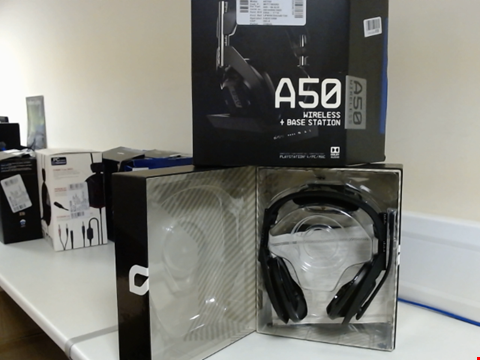 Lot 15085 ASTRO GAMING A50 WIRELESS HEADSET + BASE STATION GENERATION 4 WITH DOLBY AUDIO, COMPATIBLE WITH PS4, PC, MAC - BLACK/SILVER