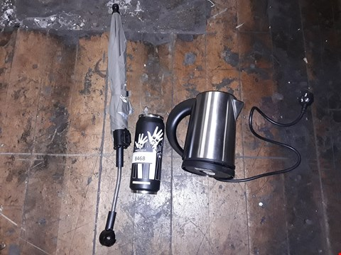 Lot 8468 LOT OF 3 ASSORTED ITEMS TO INCLUDE A STAINLESS STEEL KETTLE, A WATER BOTTLE AND A CLIP ON UMBRELLA