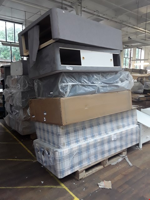 Lot 12205 LOT OF APPROXIMATELY 6 ASSORTED DIVAN BED BASE SECTIONS