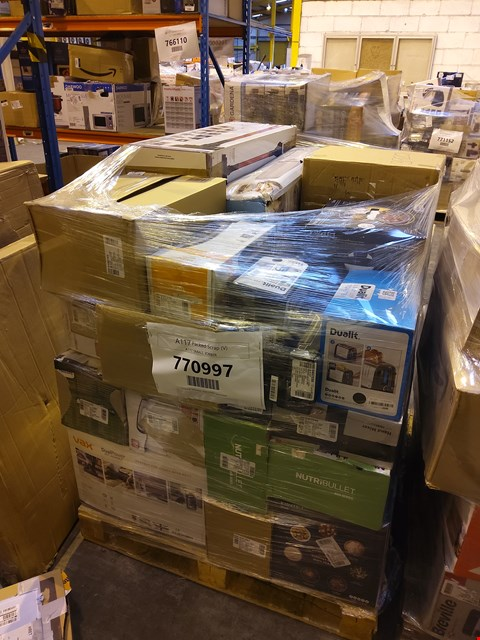 Lot 1017 PALLET OF APPROXIMATELY 38 ASSORTED ITEMS TO INCLUDE: