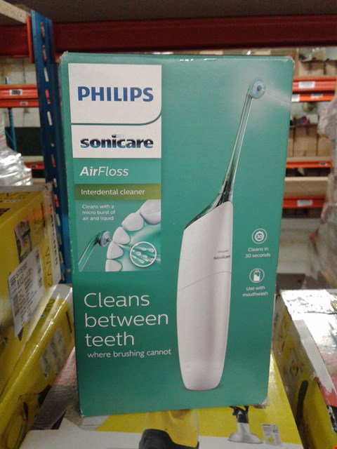 Lot 8339 PHILIPS SONICARE FLOSSER