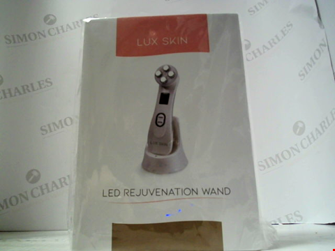 Lot 5469 LUX SKIN LED REJUVENATION WAND