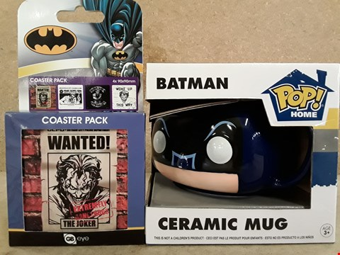 Lot 317 BRAND NEW BOXED BATMAN ITEMS TO INCLUDE CERAMIC MUG AND PLAYING CARDS