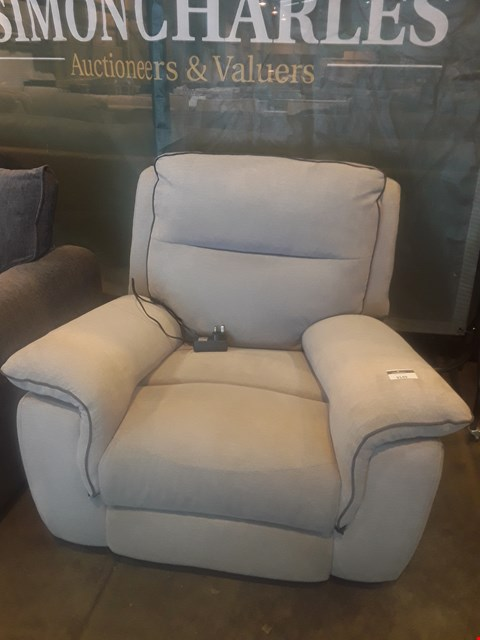 Lot 9149 DESIGNER NATURAL FABRIC POWER RECLINING EASY CHAIR WITH CONTRAST TRIM