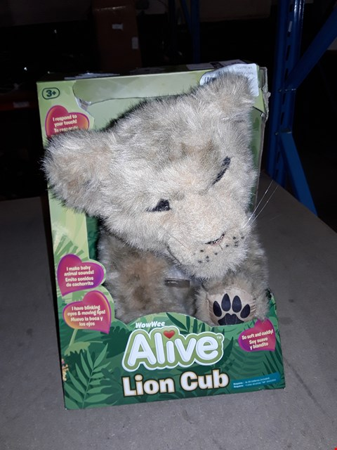 Lot 129 WOWWEE ALIVE LION CUB