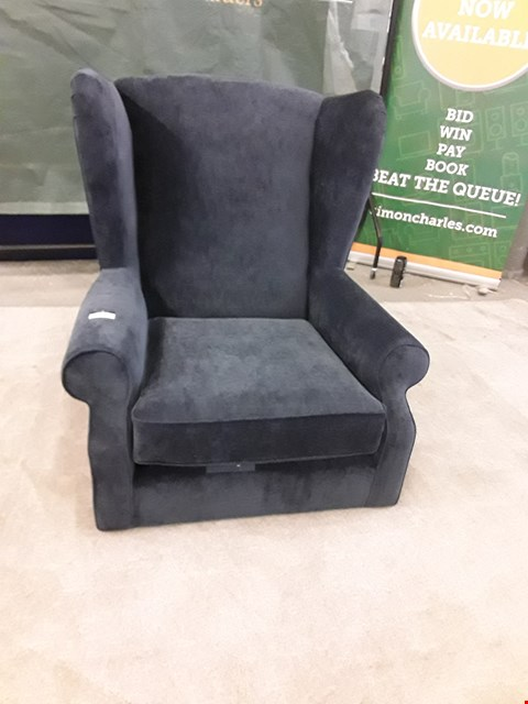 Lot 31 QUALITY BRITISH MADE DESIGNER GREY FABRIC WING BACK ARM CHAIR