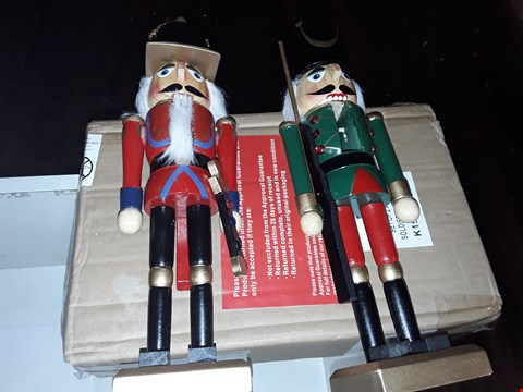 Lot 2392 2 X GRADE 1 PAIR OF  WOODEN SOLDIER NUTCRACKERS RRP £64