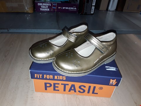 Lot 12332 BOXED PETASIL CIARA METALLIC GOLD VELCRO SHOES UK SIZE 11.5 JUNIOR