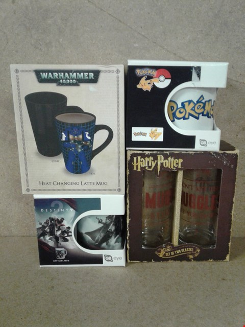 Lot 500 4 BRAND NEW ITEMS TO INCLUDE WARHAMMER 40,000 HEAT CHANGING MUG , DESTINY 2 MUG , POKEMON MUG AND A SET OF 2 GLASSES