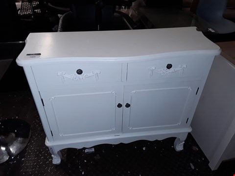 Lot 7004 DESIGNER WHITE PAINTED WOOD FRENCH STYLE 2 DOOR 2 DRAWER SIDEBOARD