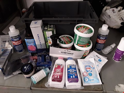 Lot 30 BOX OF APPROXIMATELY 25 ASSORTED ITEMS TO INCLUDE REVIVE POWER PASTE, WASH DETERGENT ETC