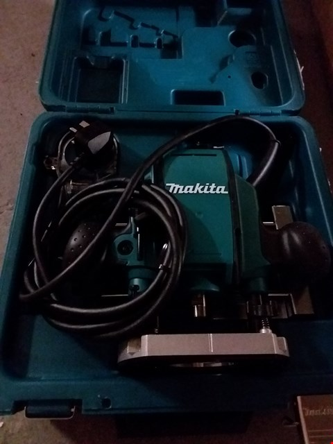 Lot 4575 MAKITA RP0900X ROUTER