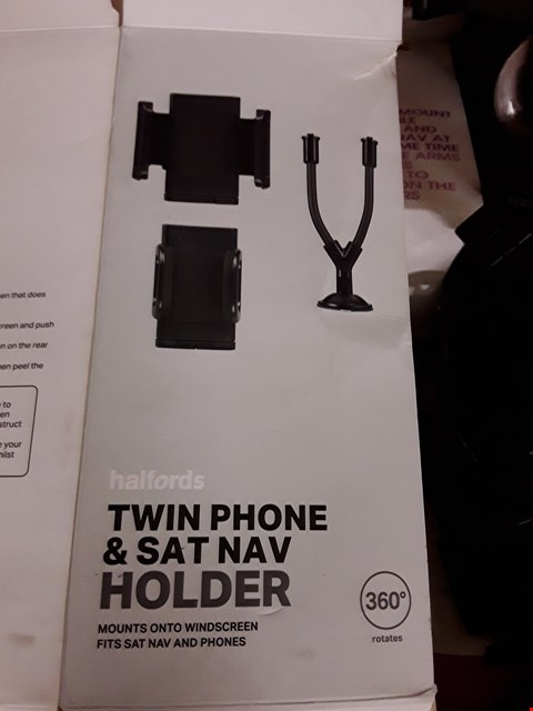Lot 2634 LARGE BOX OF TWIN PHONE AND SAT NAV HOLDERS